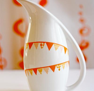 Декорации из цветной клейкой ленты
