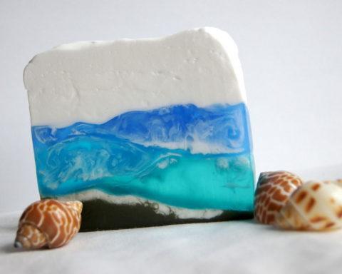 Сине-белое мыло с разводами