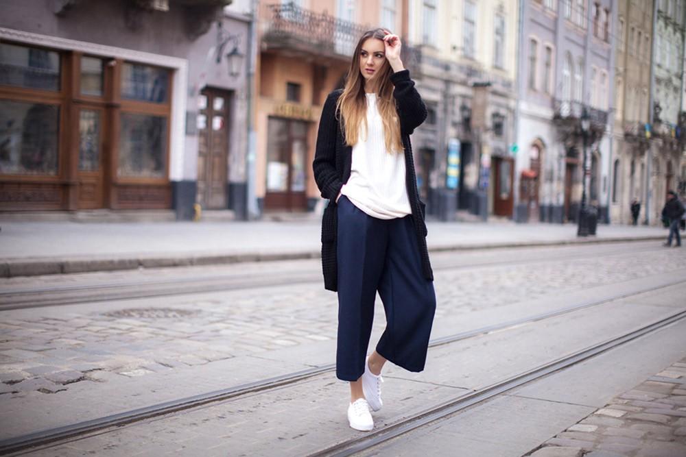 Брюки палаццо: с чем носить, чтобы выглядеть стильно