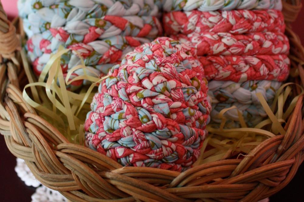 Плетеные пасхальные яйца