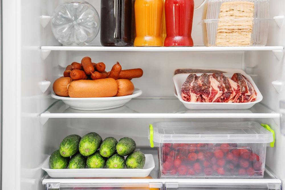 Неприятный запах в холодильнике: как избавиться быстро