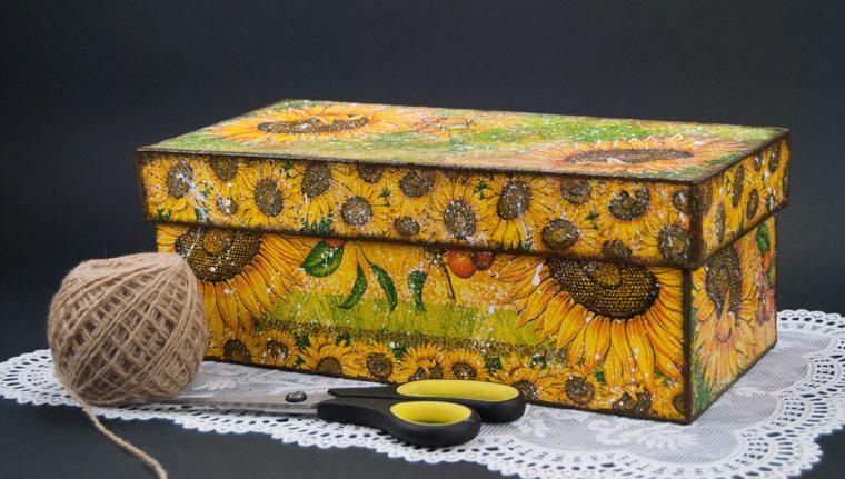 Подарочная коробка в технике декупаж