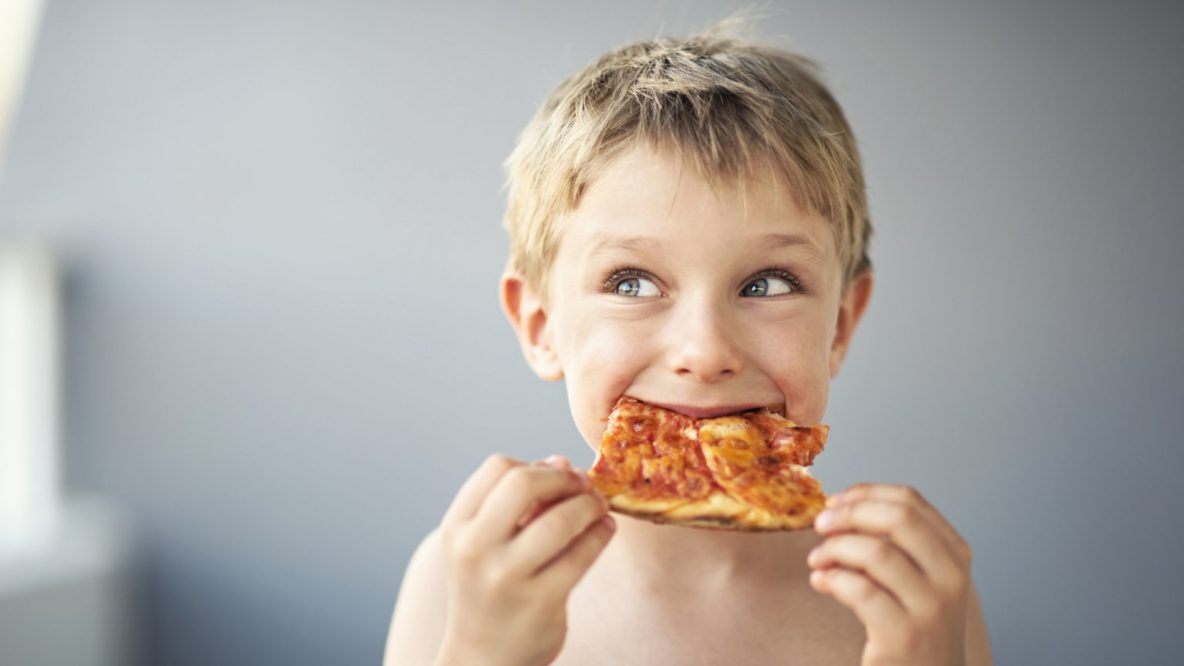 Можно ли кушать пиццу детям?