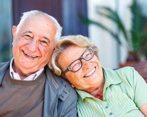 Уход за пожилыми людьми, или что делать?