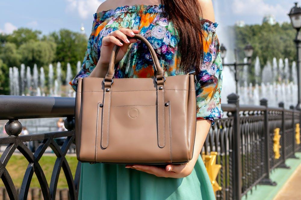 Рекомендации по выбору женской сумочки – от стиля к цвету