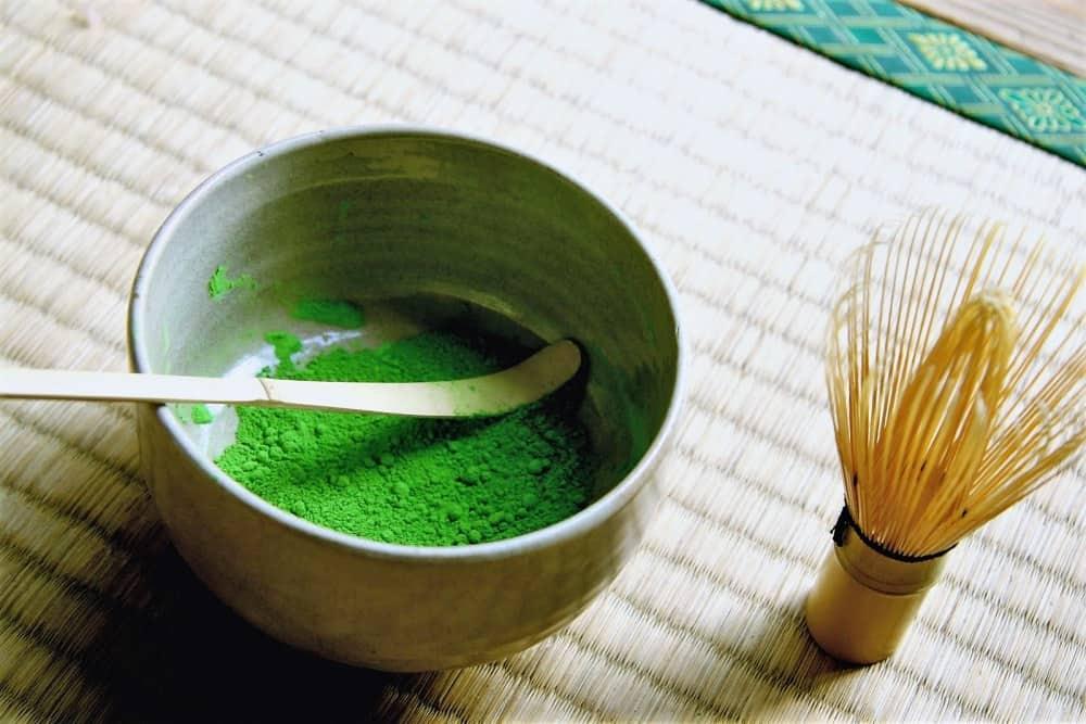 Омолаживающая маска для лица с зеленым чаем