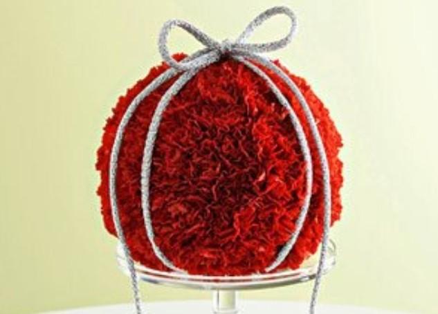 Украшение цветами: шар из живых цветов