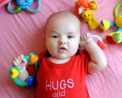 Игры для маленького ребенка: 3 месяца