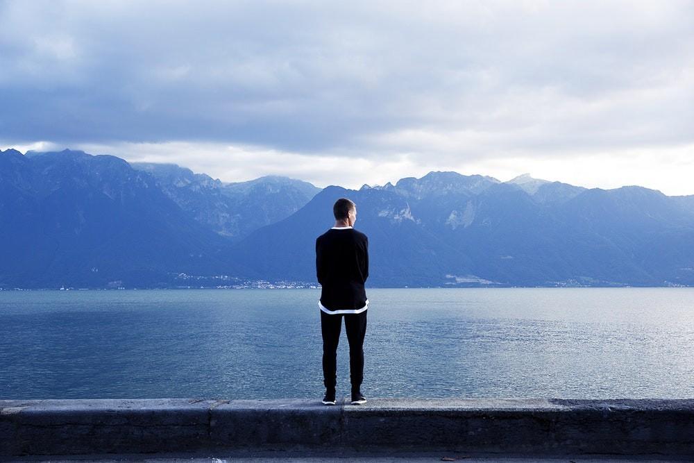 Отдых в гордом одиночестве? Ищем преимущества