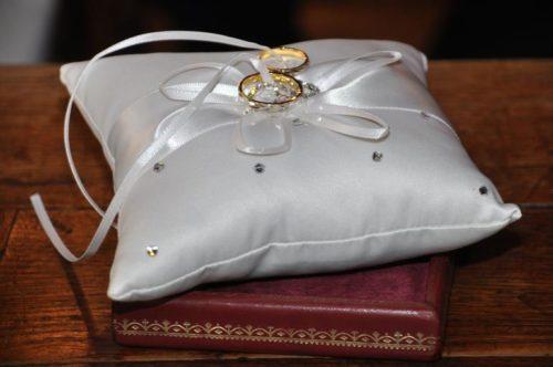 Атрибуты свадьбы – свадебные аксессуары