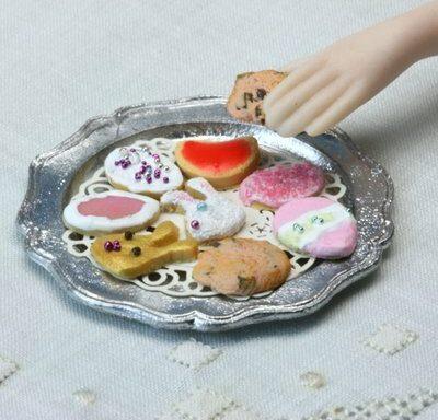 Миниатюрные печенья из холодного фарфора