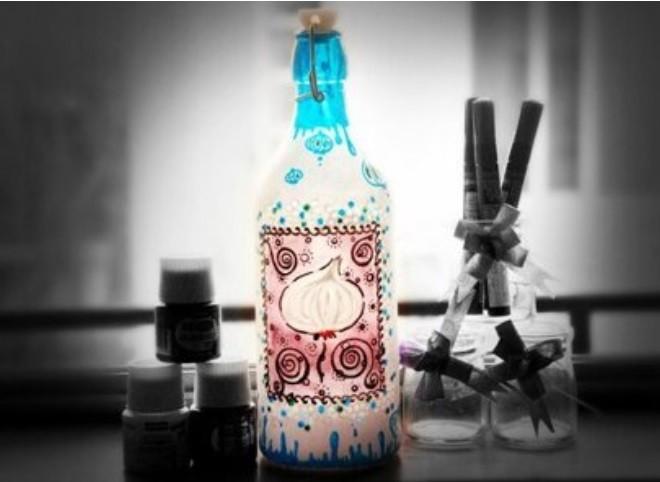 Декорирование бутылки красками