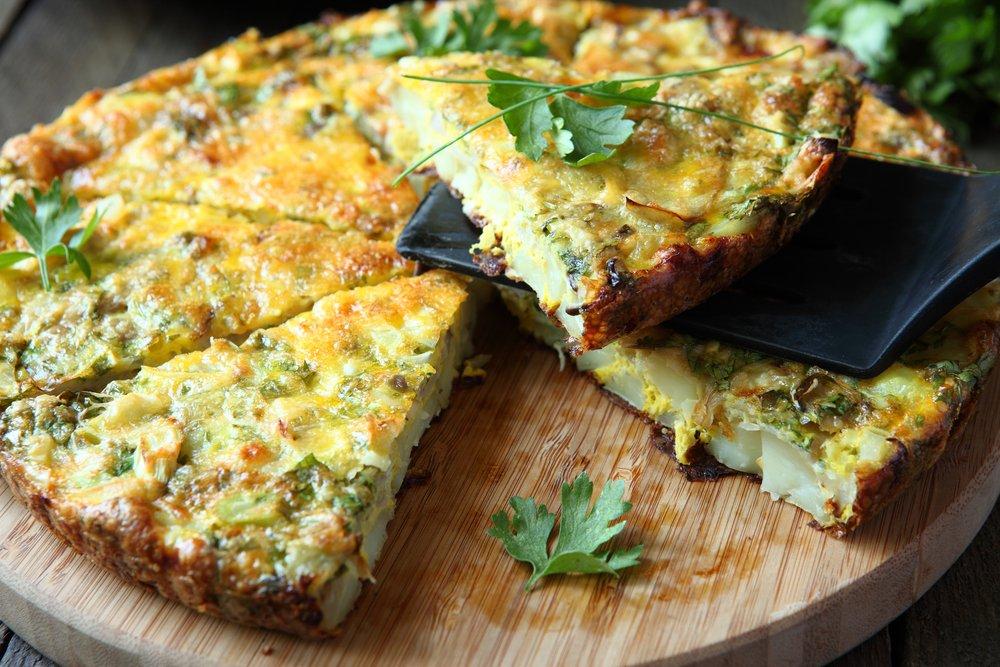 Фритатта со шпинатом и зеленым луком