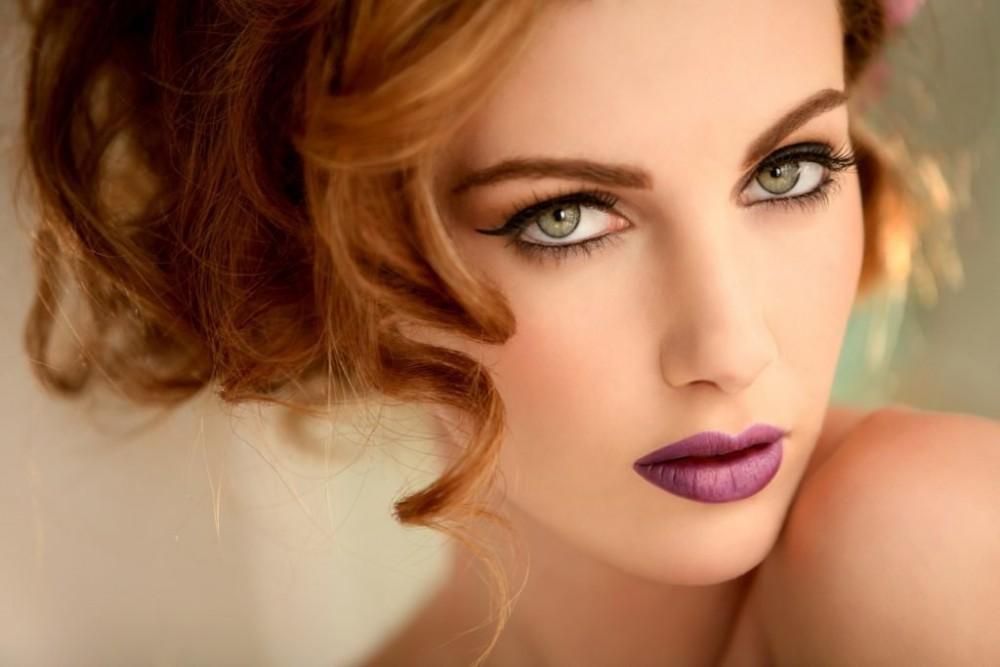 Макияж для зеленых глаз, русых и темных волос