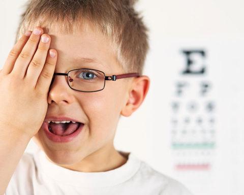 Как улучшить зрение ребенка?