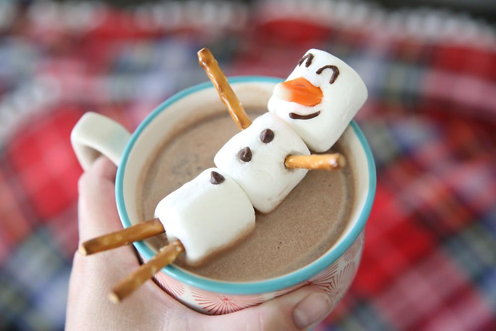 Снеговики из маршмеллоу
