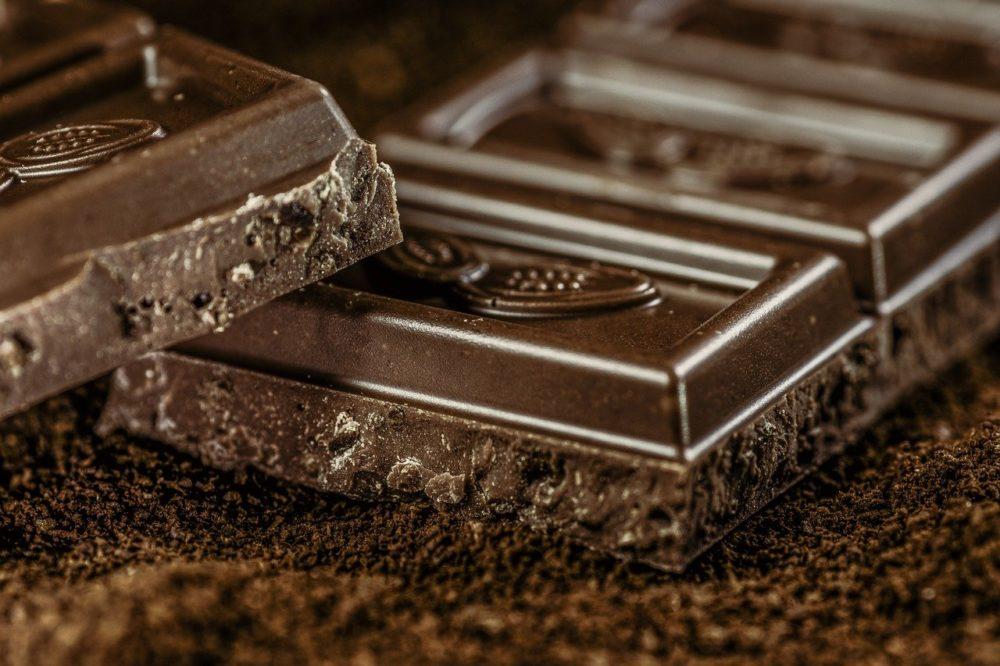 Тёмный шоколад фото
