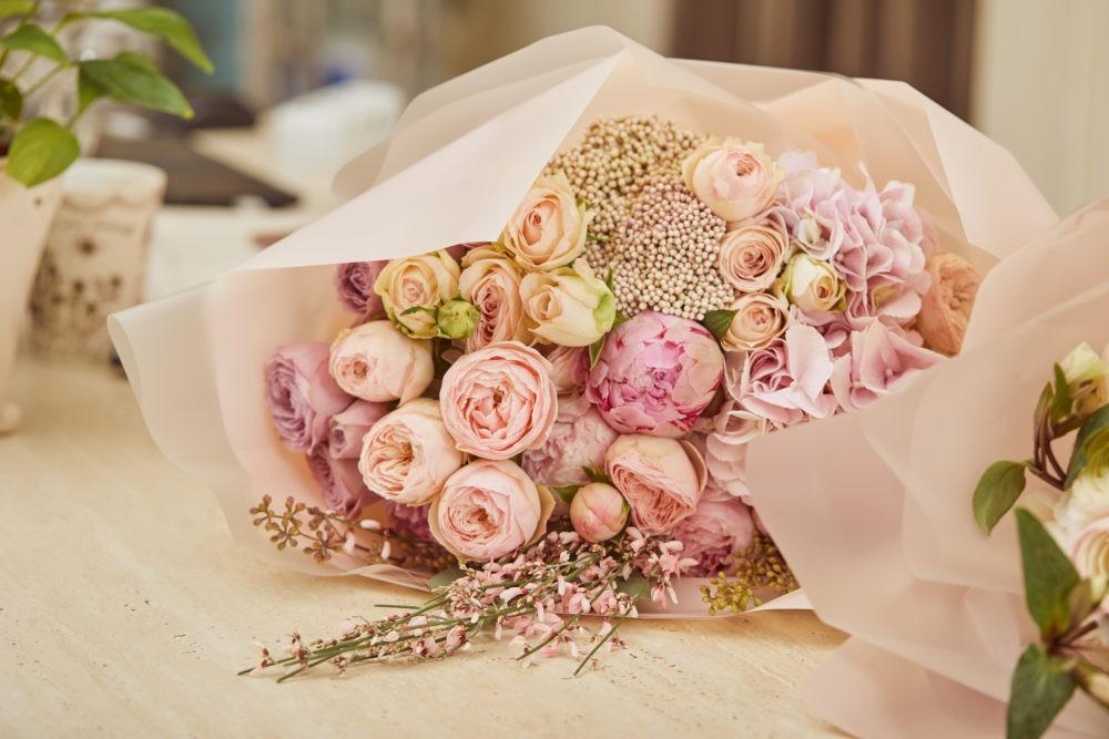 Какие цветы лучше всего дарить на свадьбу?