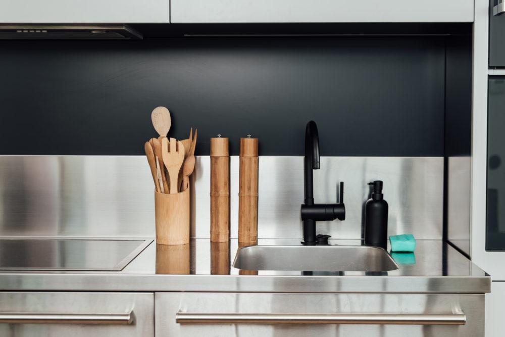 Выбор кухонной раковины. Материалы для мойки