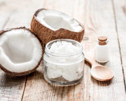 Кокосовое масло: применение в масках для кожи и волос