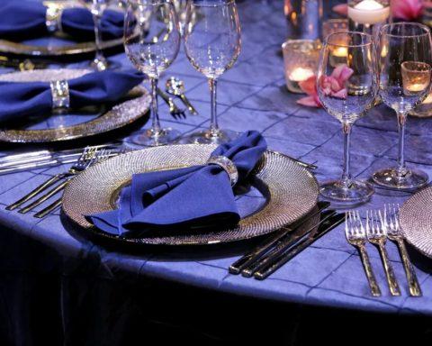 Сервировка новогоднего стола. Вариант №2