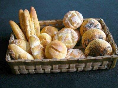 Кукольная миниатюра 1:12. Миниатюрный хлеб.