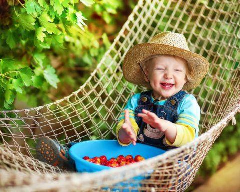 Как помочь малышу пережить летнюю жару
