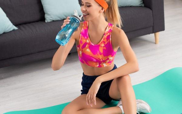 Пять лучших упражнений, которые можно делать не выходя из дома