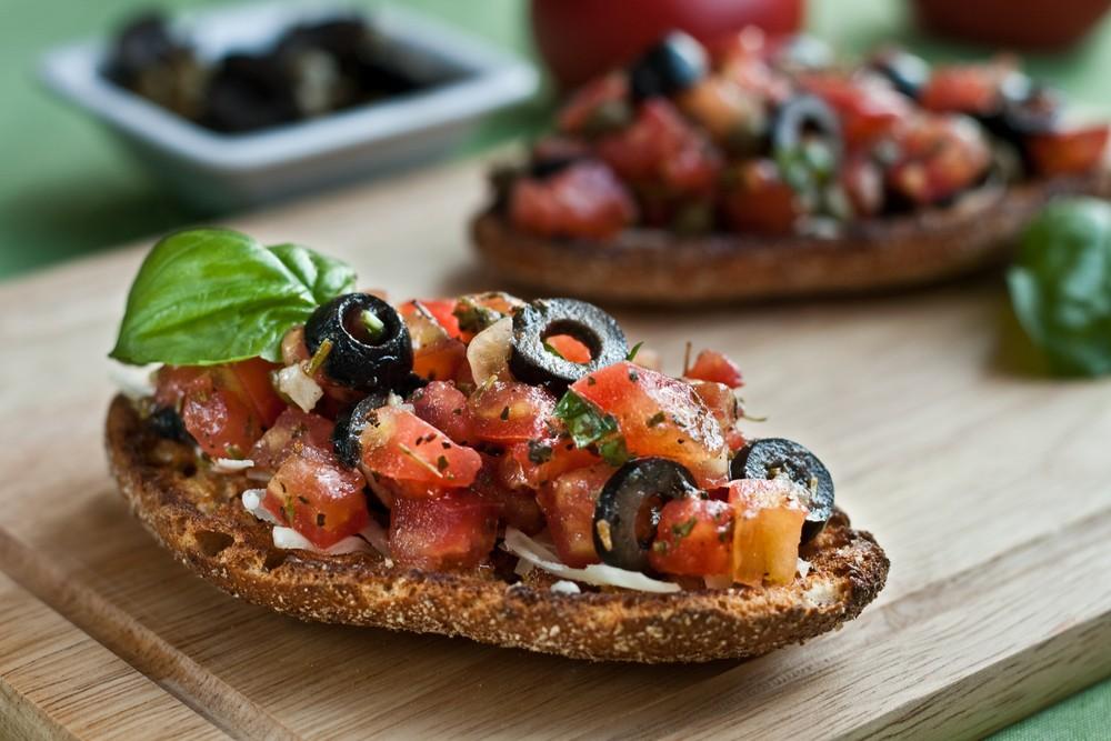 Итальянская брускетта: рецепт