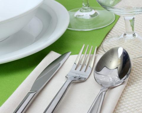 Как ухаживать за мельхиоровыми столовыми приборами?