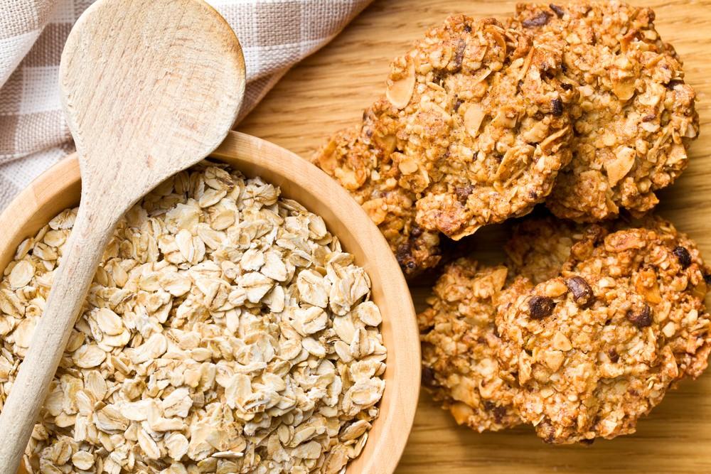 Печенье из овсяных хлопьев с орехами